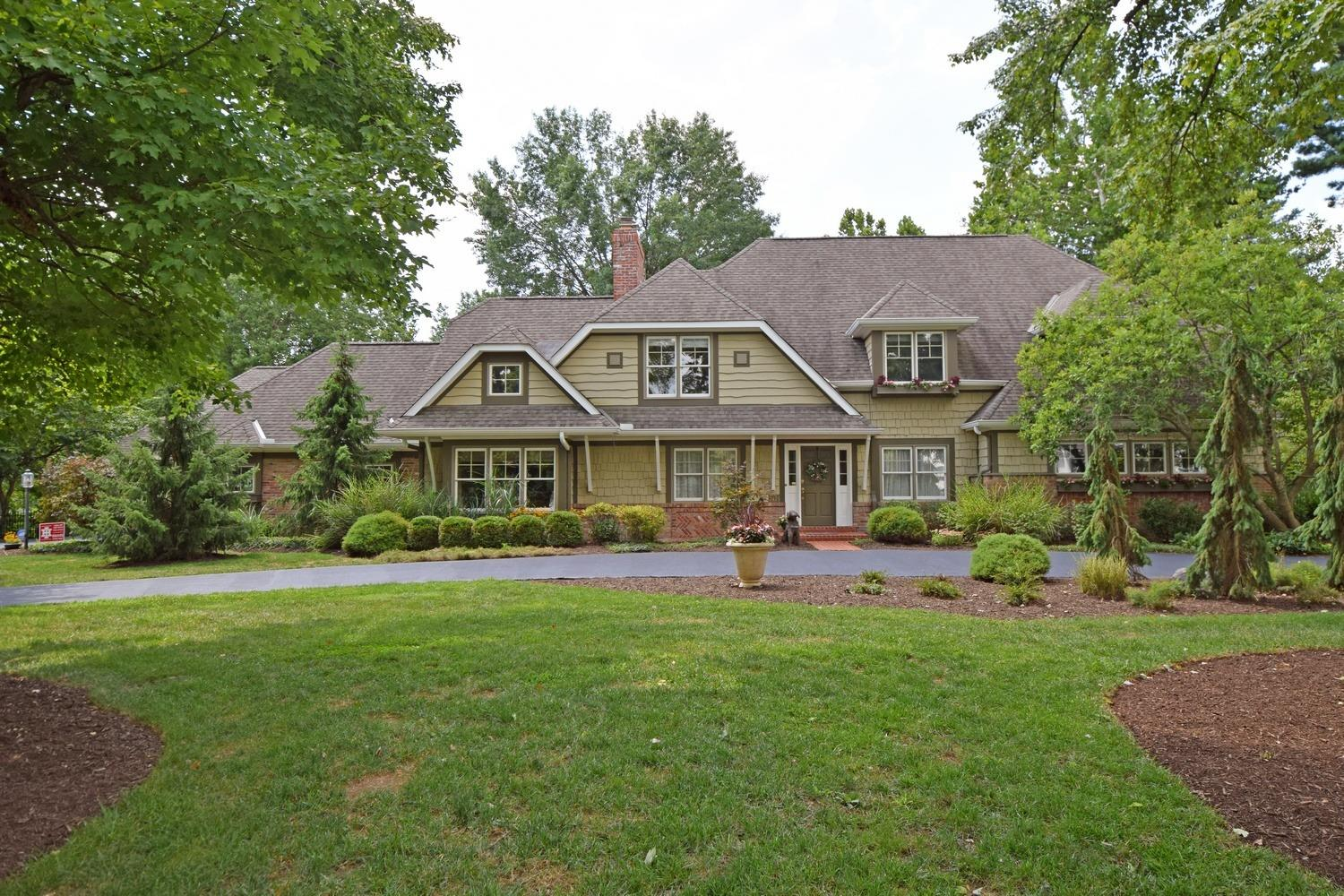 Property for sale at 7475 Algonquin Drive, Indian Hill,  Ohio 45243