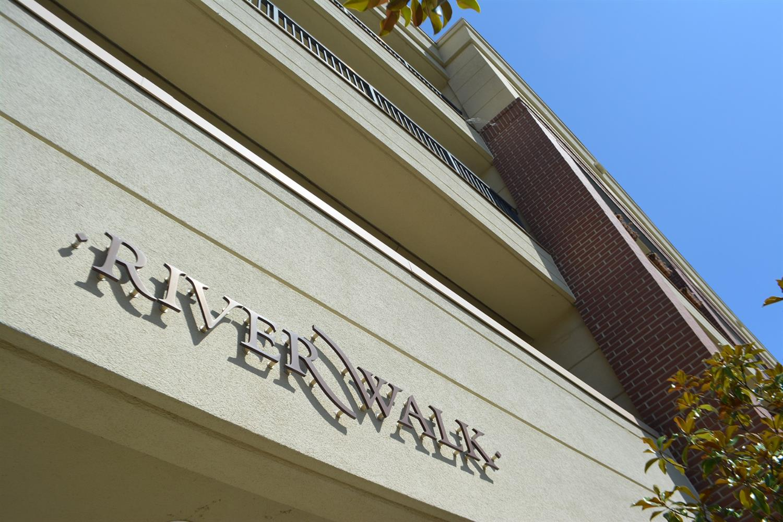 Property for sale at 2260 Riverside Drive Unit: 403, Cincinnati,  Ohio 45202
