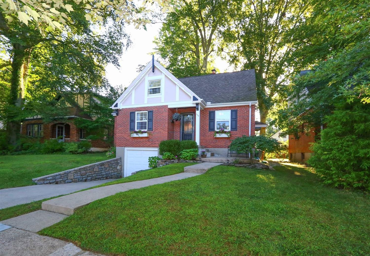 Property for sale at 3736 Settle Road, Mariemont,  Ohio 45227