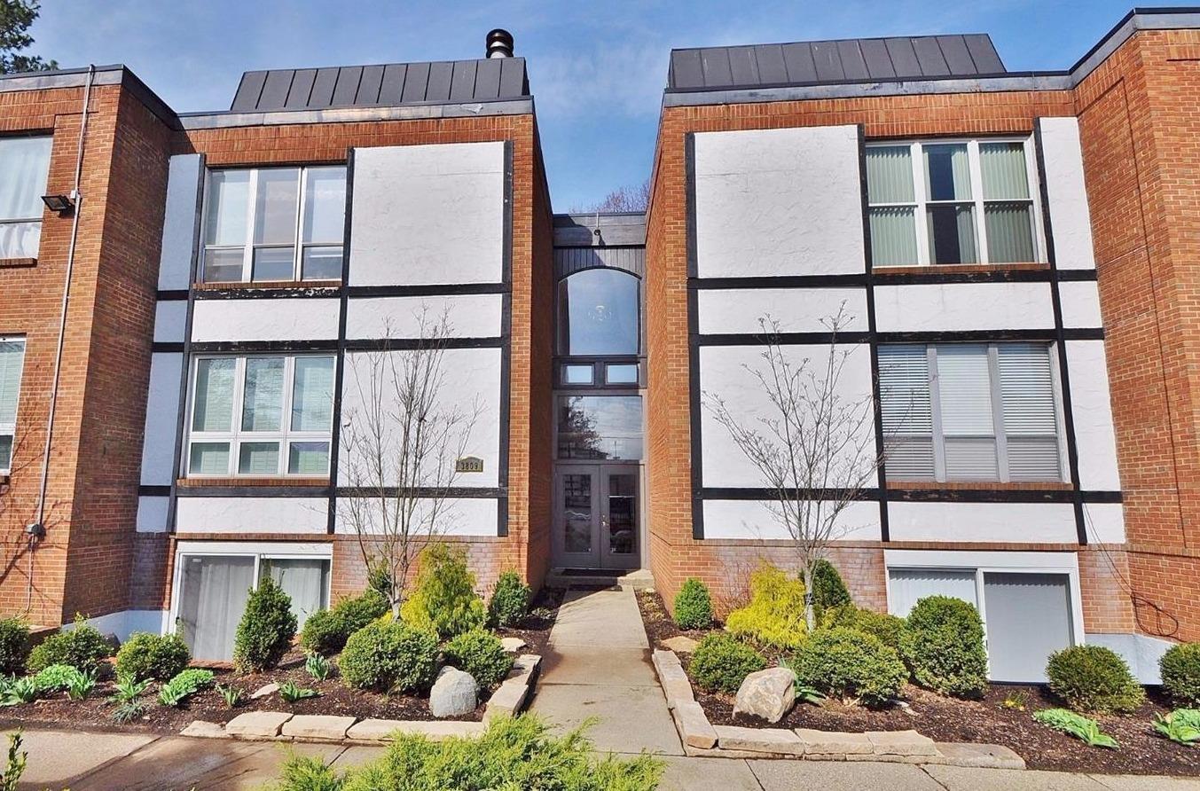 Property for sale at 3809 Petoskey Avenue Unit: 10, Mariemont,  Ohio 45227