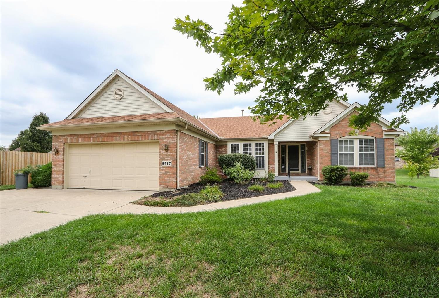 Property for sale at 5487 Lakeside Drive, Fairfield,  Ohio 45014