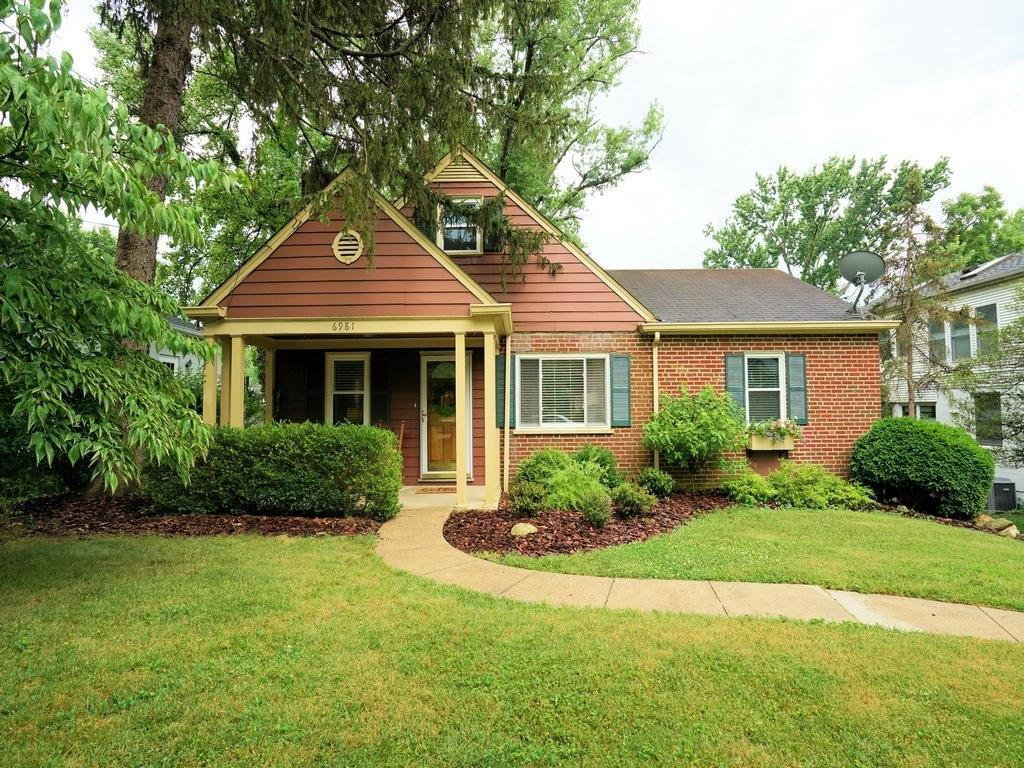 Property for sale at 6981 Bramble Hill Drive, Mariemont,  Ohio 45227