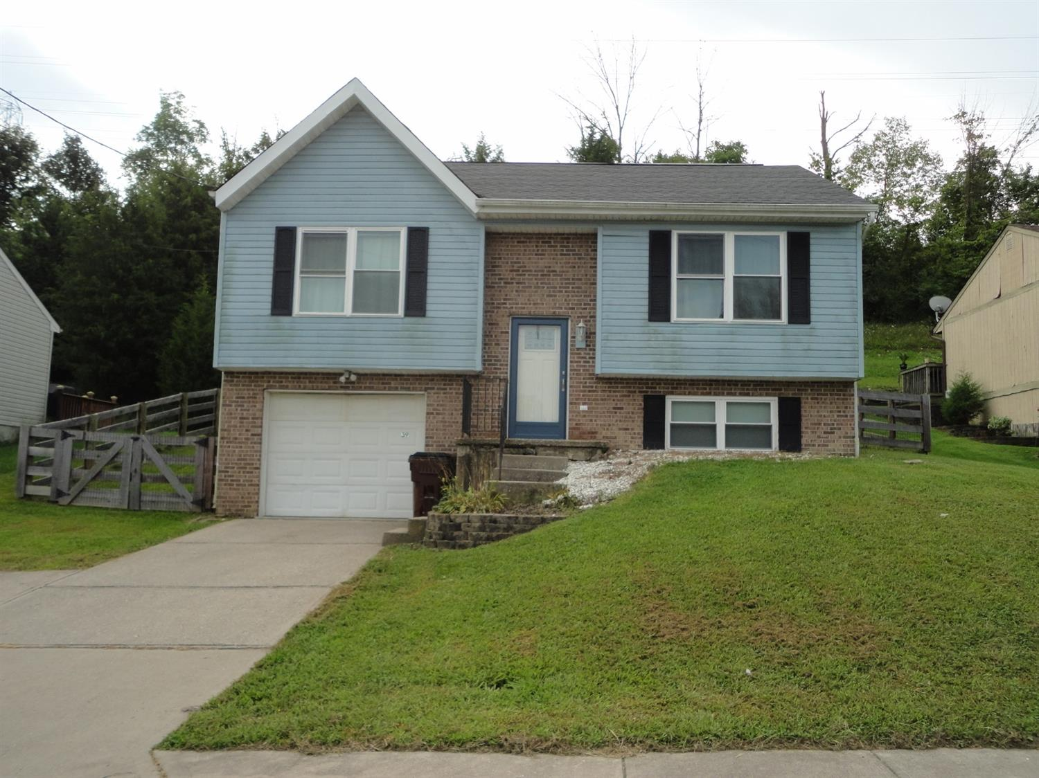 Property for sale at 39 Timberline Court, Cleves,  Ohio 45002