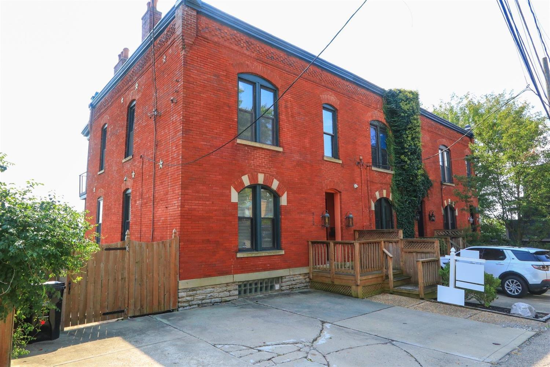 Property for sale at 923 Riverview Place, Cincinnati,  Ohio 45202