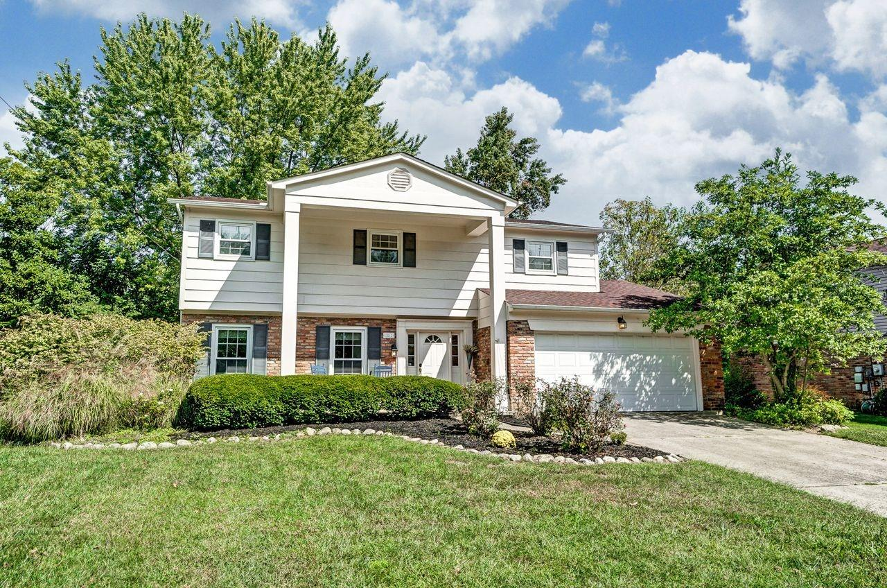 Property for sale at 1812 Lindenhall Drive, Loveland,  Ohio 45140