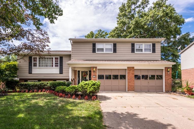 Property for sale at 1123 Hilliard Drive, Delhi Twp,  Ohio 45238