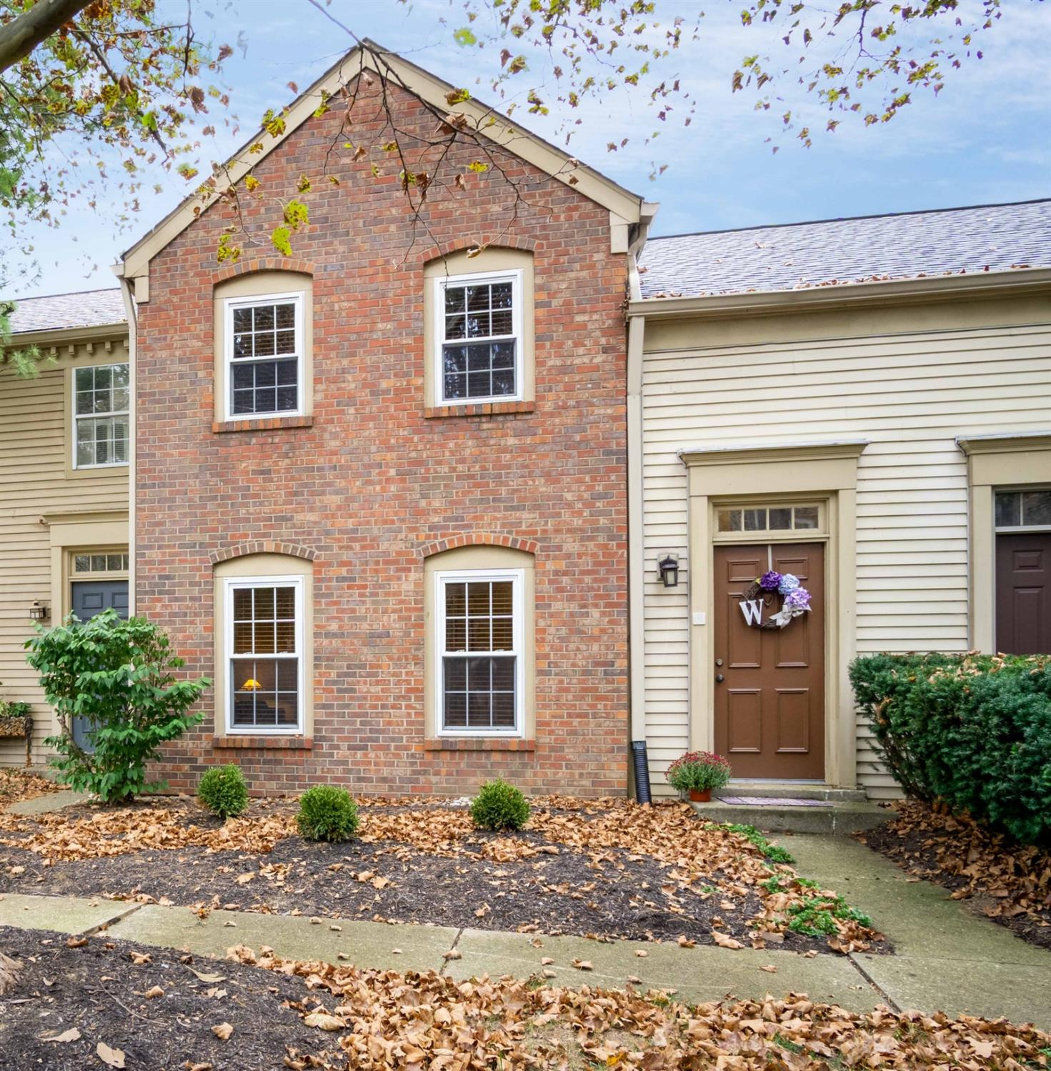 Property for sale at 8 Woodsview Lane, Sharonville,  Ohio 45241