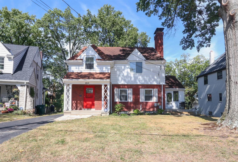 Property for sale at 1610 N Dixon Circle, Cincinnati,  Ohio 45224