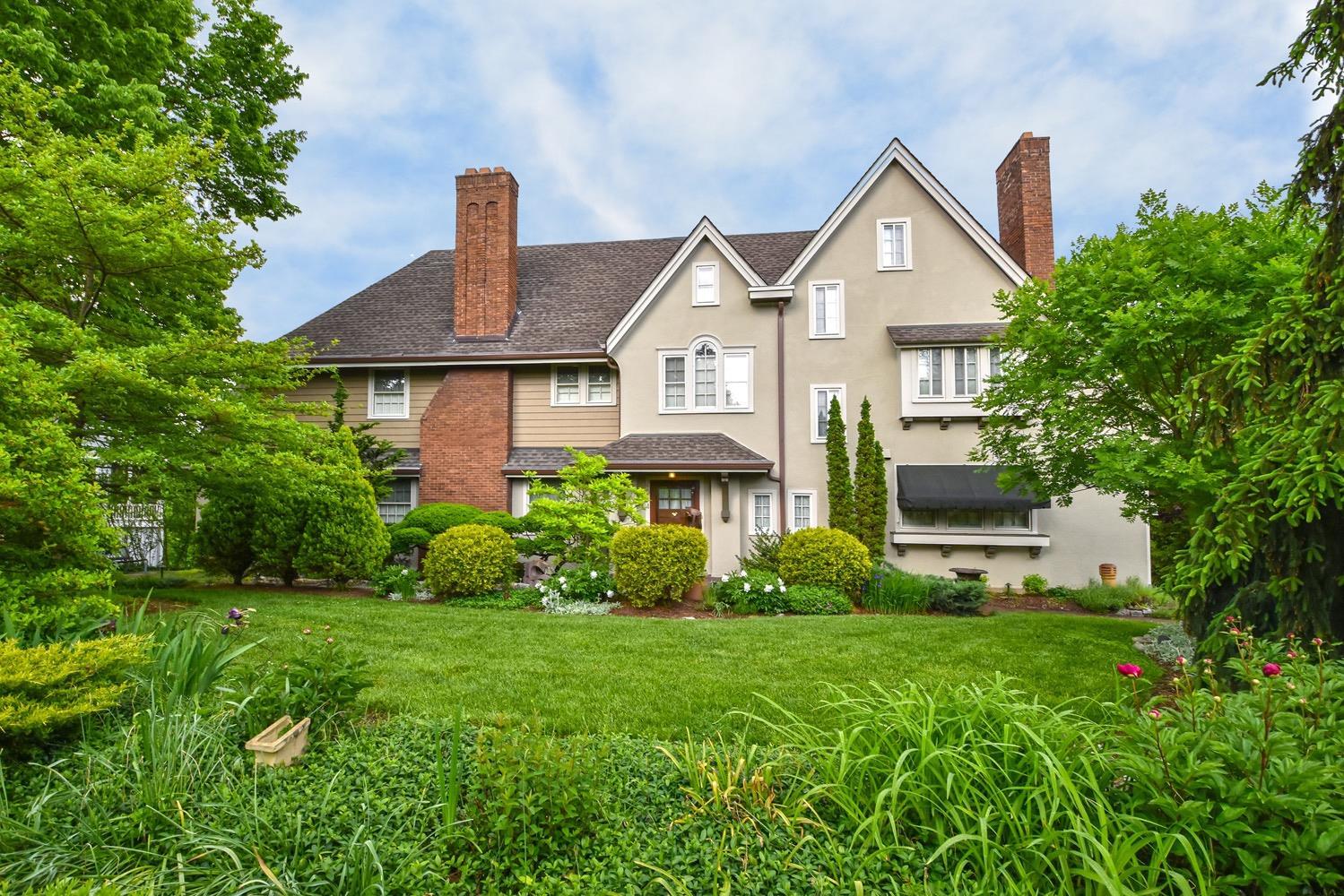 Property for sale at 4074 Rose Hill Avenue, Cincinnati,  Ohio 45229