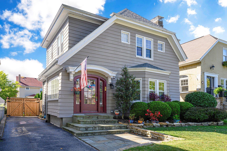 Property for sale at 38 Arcadia Place, Cincinnati,  Ohio 45208