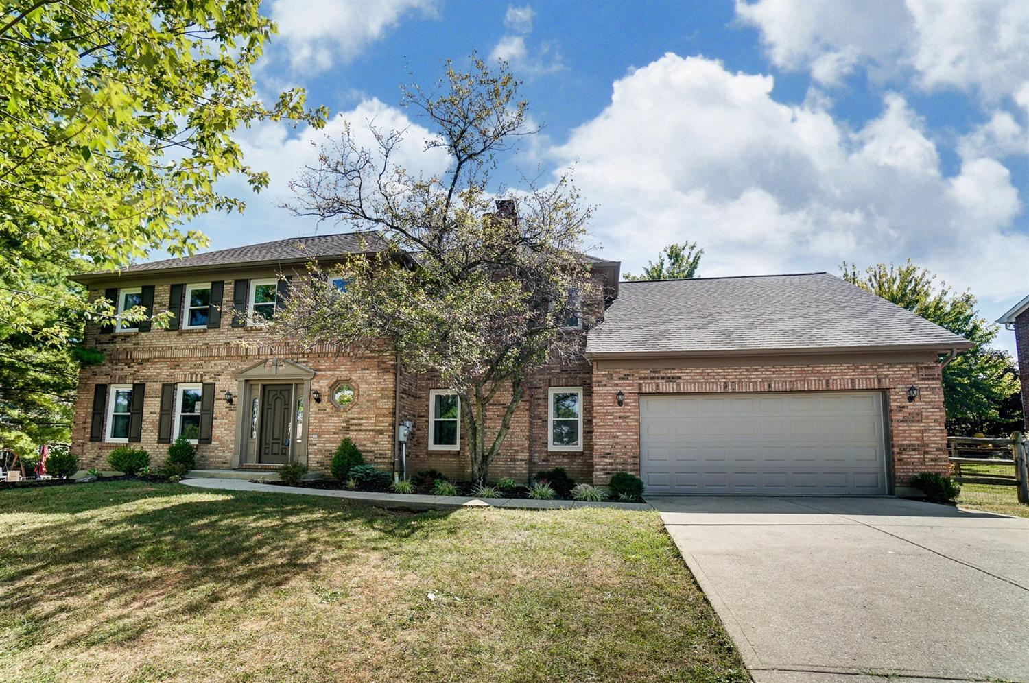 Property for sale at 7996 Ivory Hills Drive, West Chester,  Ohio 45069