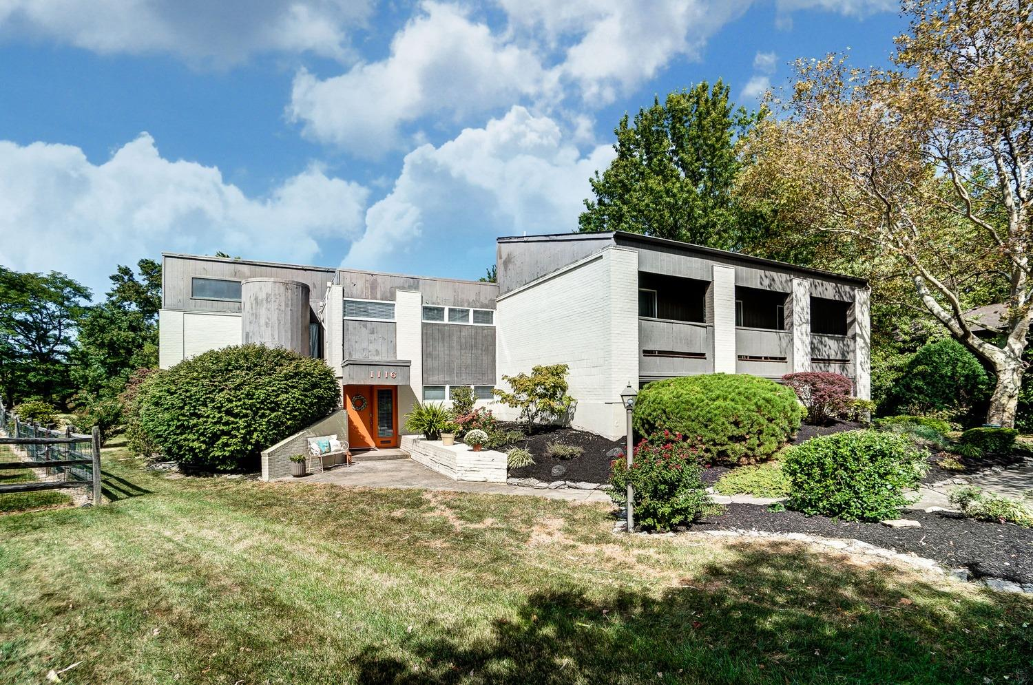 Property for sale at 1116 Inner Circle Drive, Forest Park,  Ohio 45240
