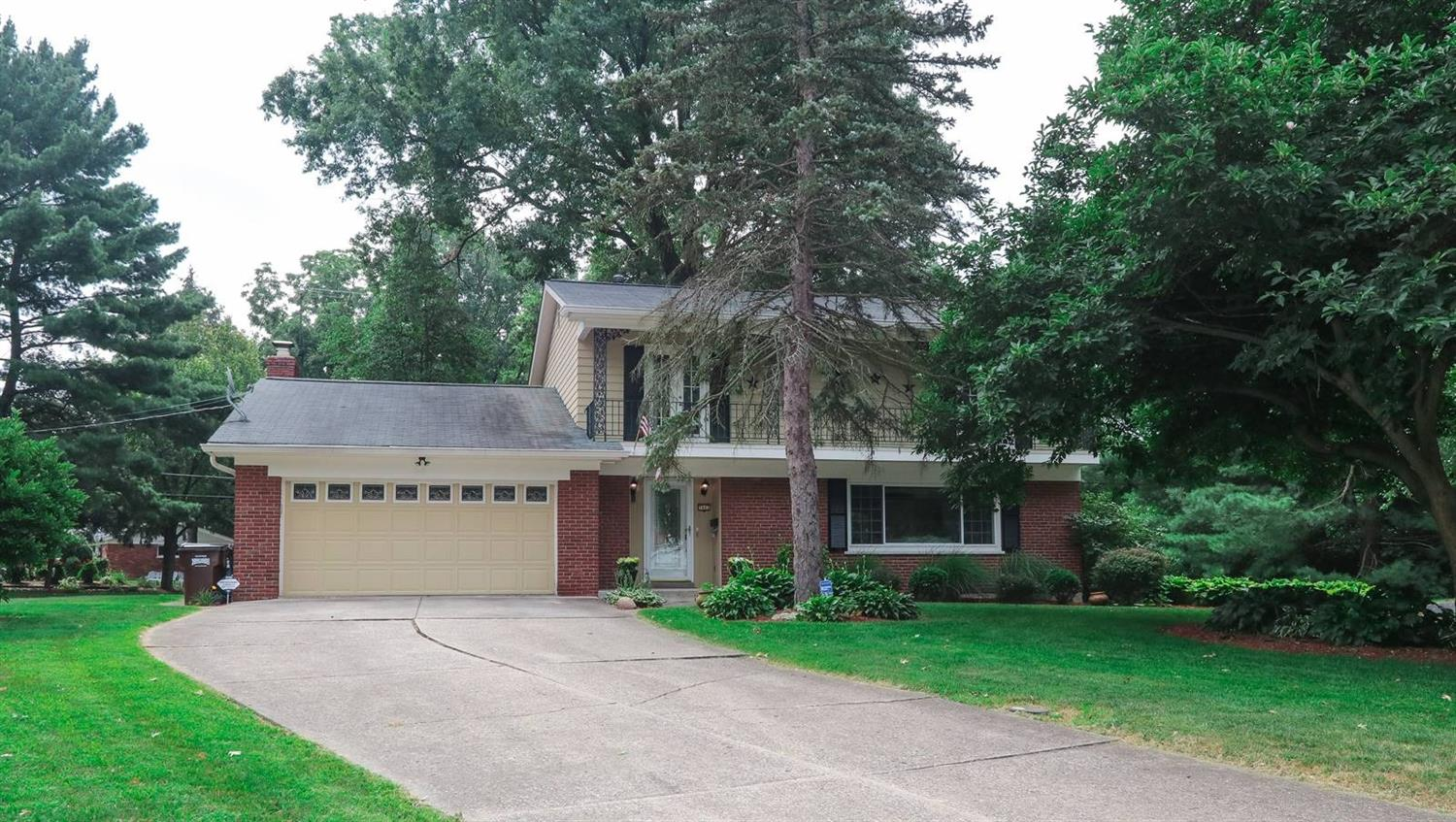 Property for sale at 7662 Pinemeadow Lane, Springfield Twp.,  Ohio 45224