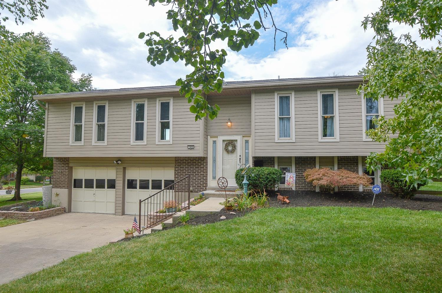 Property for sale at 789 Clearfield Lane, Springdale,  Ohio 45240