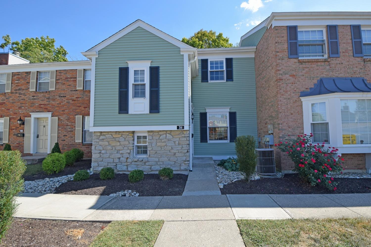 Property for sale at 31 Applewood Drive, Fairfield,  Ohio 45014