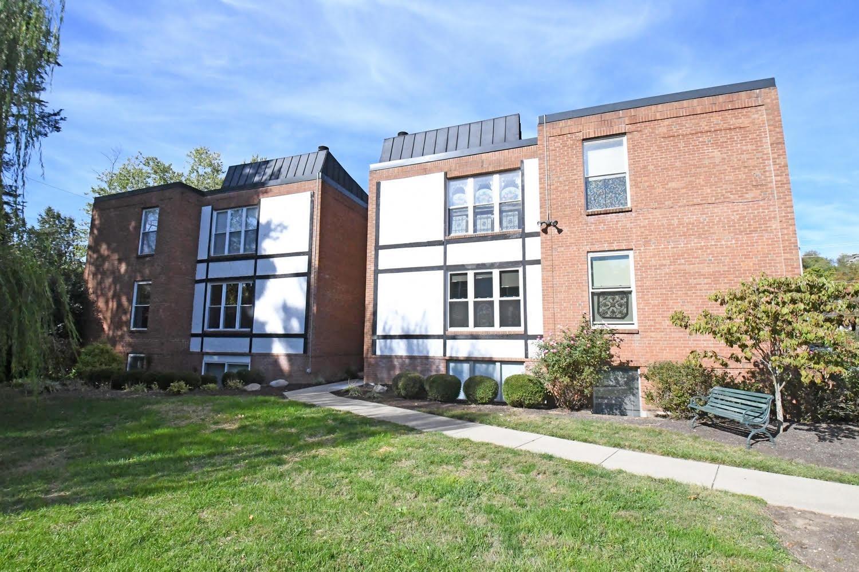 Property for sale at 3825 Petoskey Avenue Unit: 24, Mariemont,  Ohio 45227