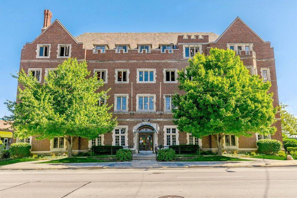 Property for sale at 1228 E Mcmillan Avenue Unit: 203, Cincinnati,  Ohio 45206