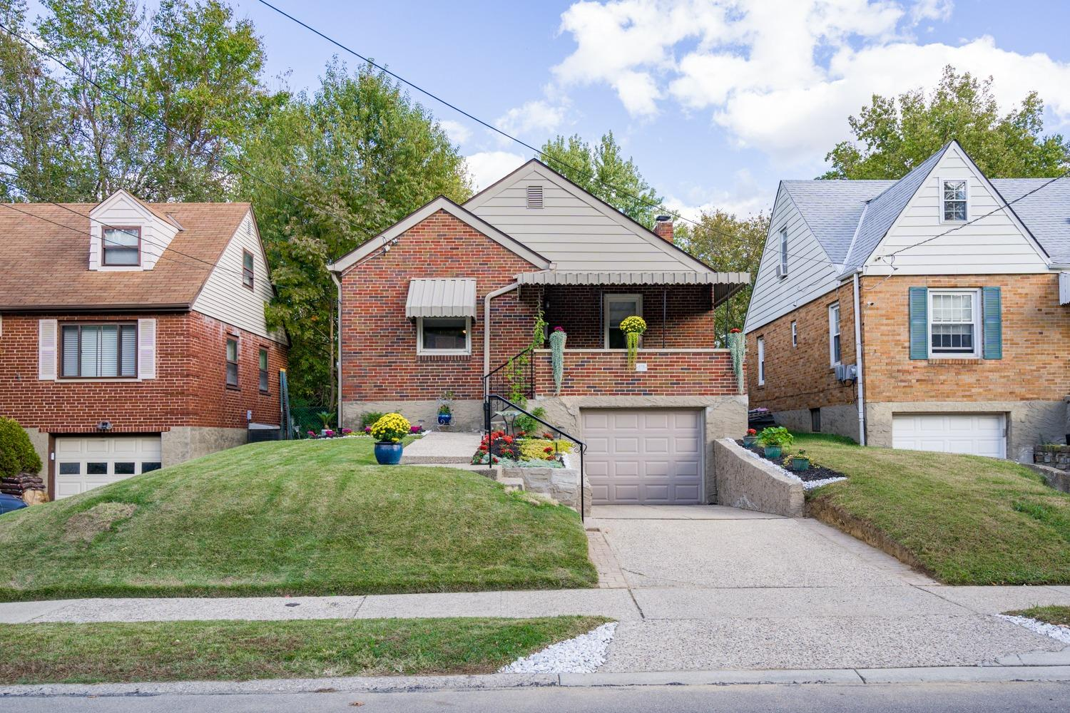 Property for sale at 6118 Mayflower Avenue, Golf Manor,  Ohio 45237