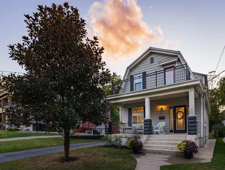 Property for sale at 3727 Drakewood Drive, Cincinnati,  Ohio 45209