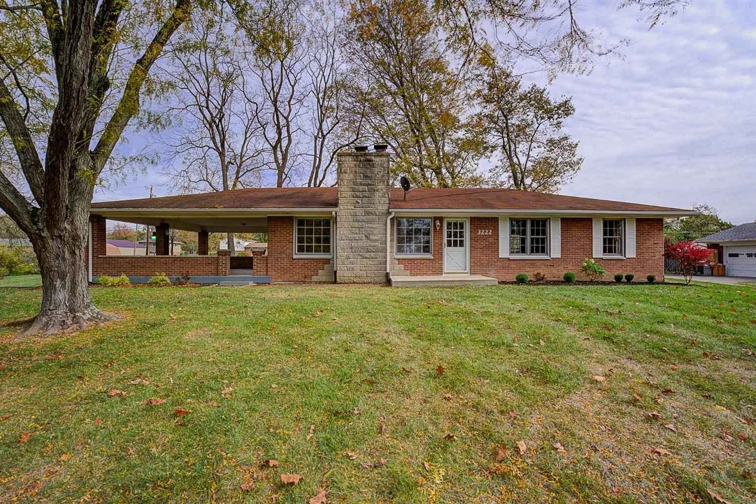 Property for sale at 3222 Woodhaven Drive, Franklin Twp,  Ohio 45005