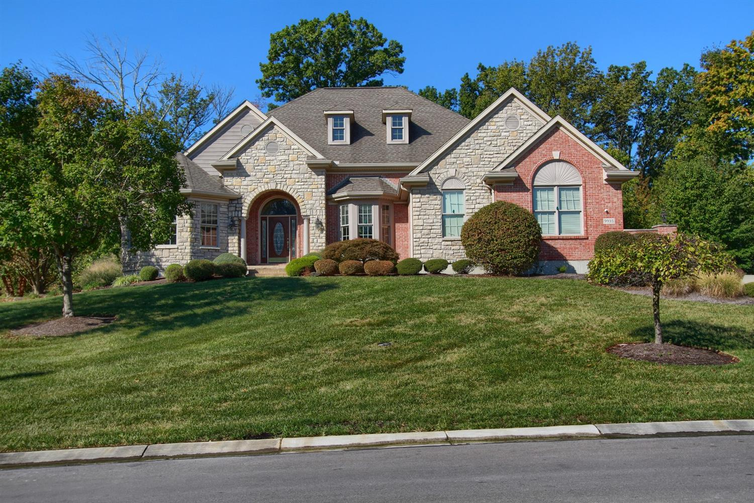 Property for sale at 9935 Beech Drive, Springfield Twp.,  Ohio 45231