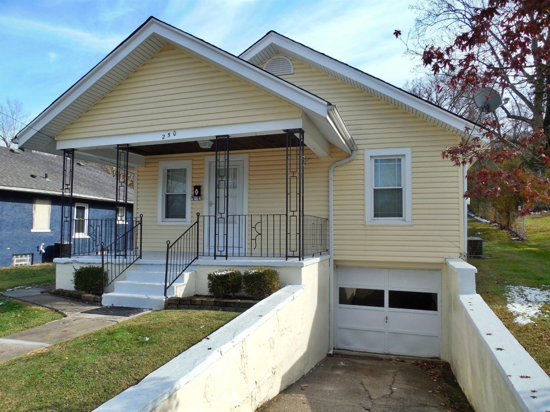 Property for sale at 250 Victoria Avenue, Batavia,  Ohio 45103