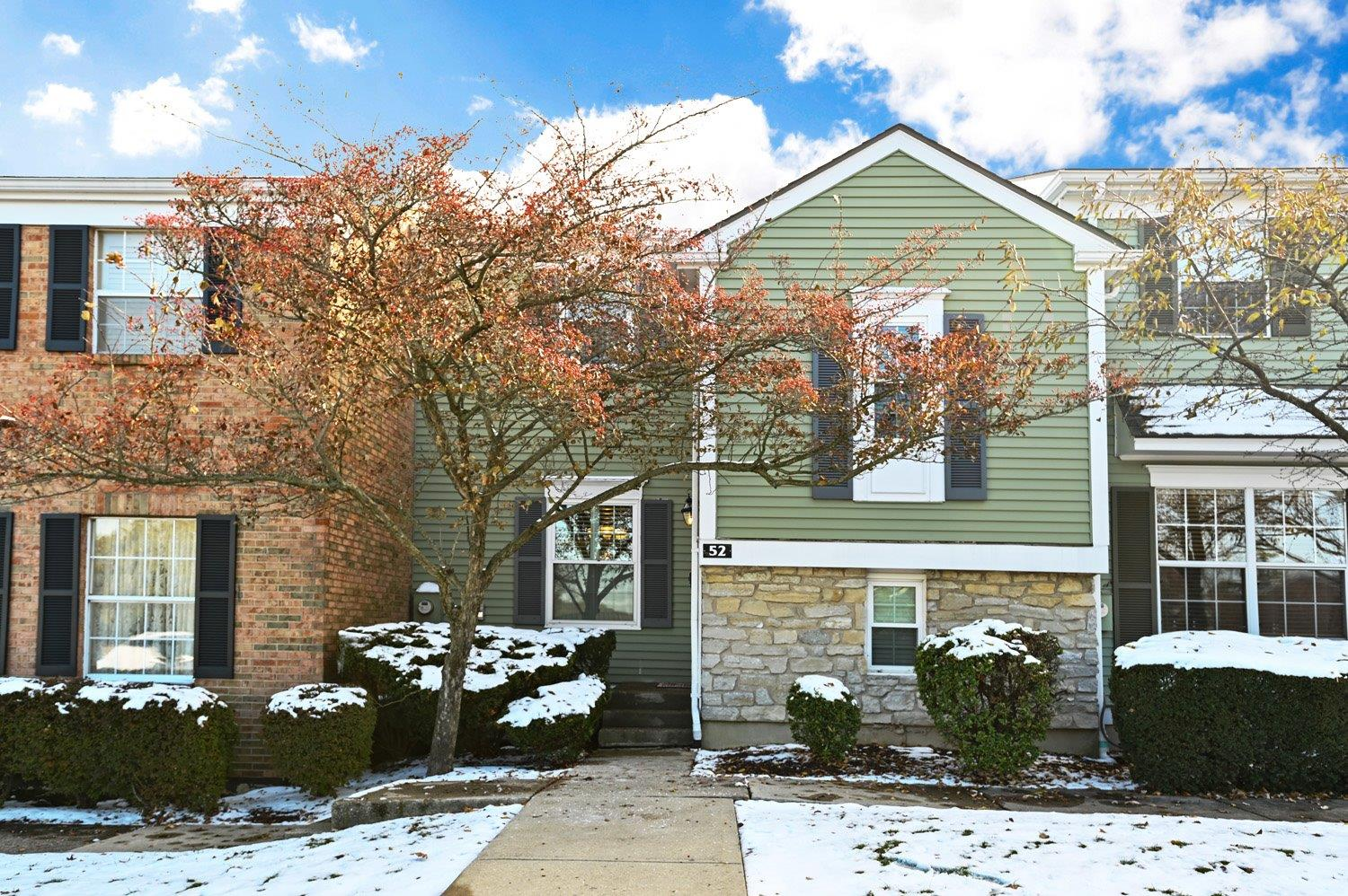 Property for sale at 52 Applewood Drive, Fairfield,  Ohio 45014