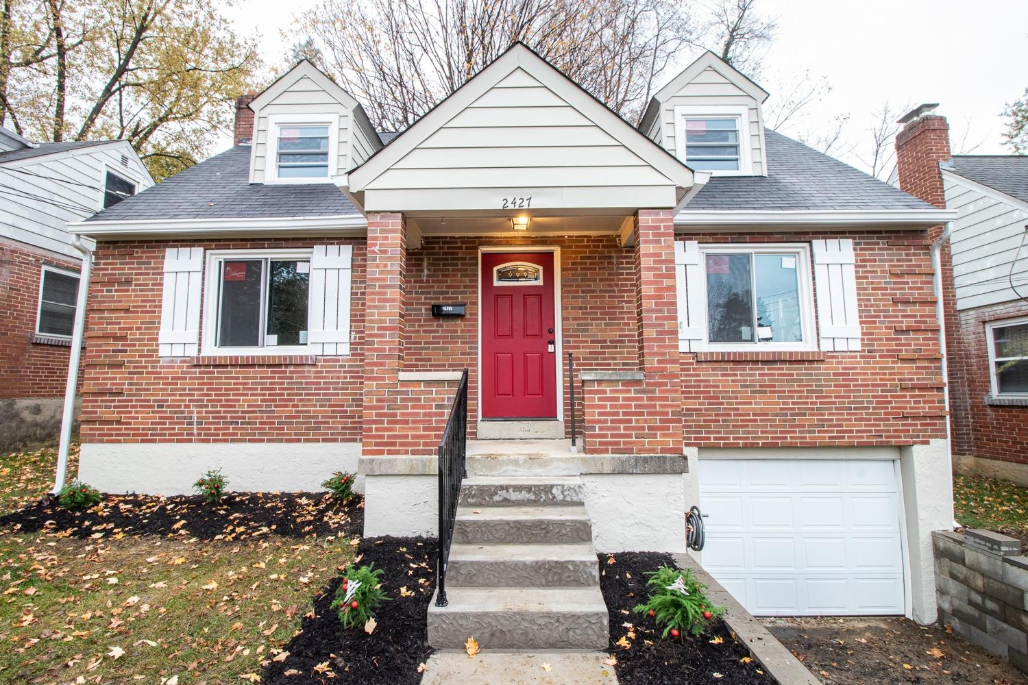 Property for sale at 2427 Ardmore Avenue, Golf Manor,  Ohio 45237