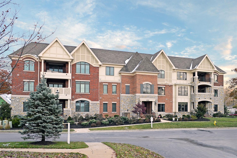 Property for sale at 9506 Park Manor Boulevard Unit: 304, Blue Ash,  Ohio 45242