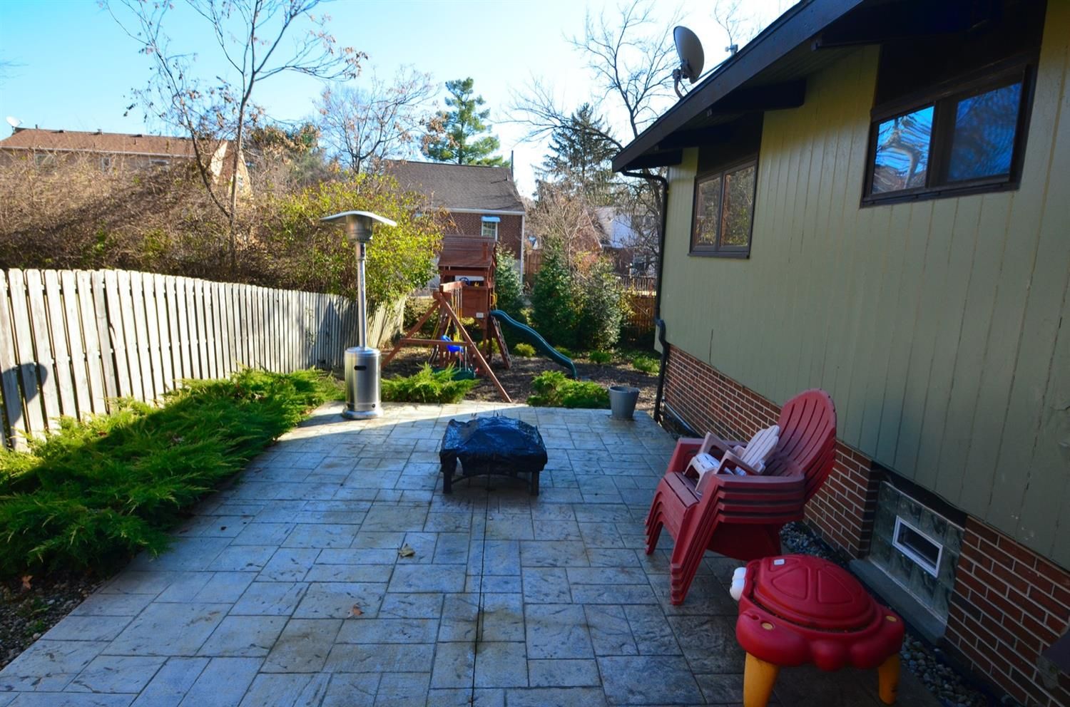 Another view of the stamped concrete patio.