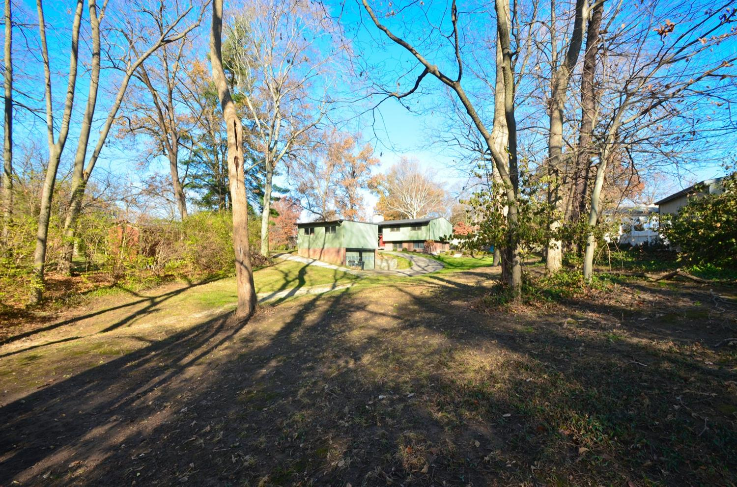 Check out this large wooded lot!