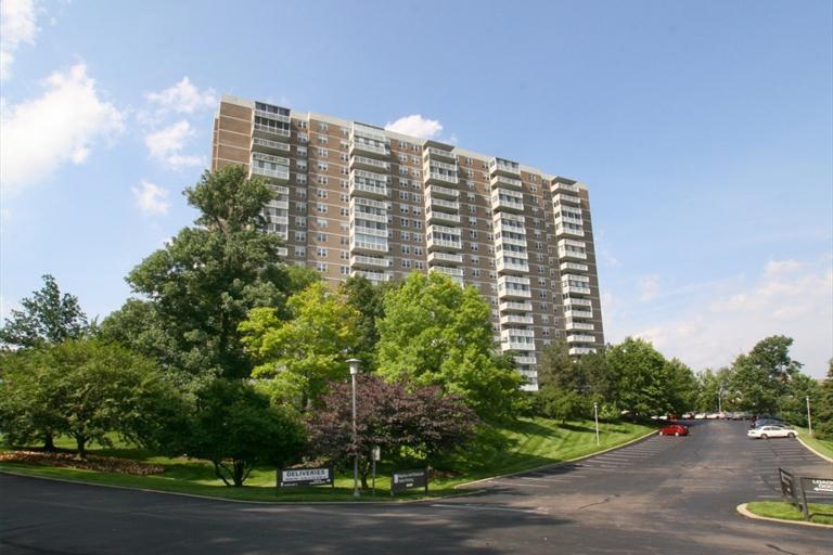 Property for sale at 2444 Madison Road Unit: 1604, Cincinnati,  Ohio 45208