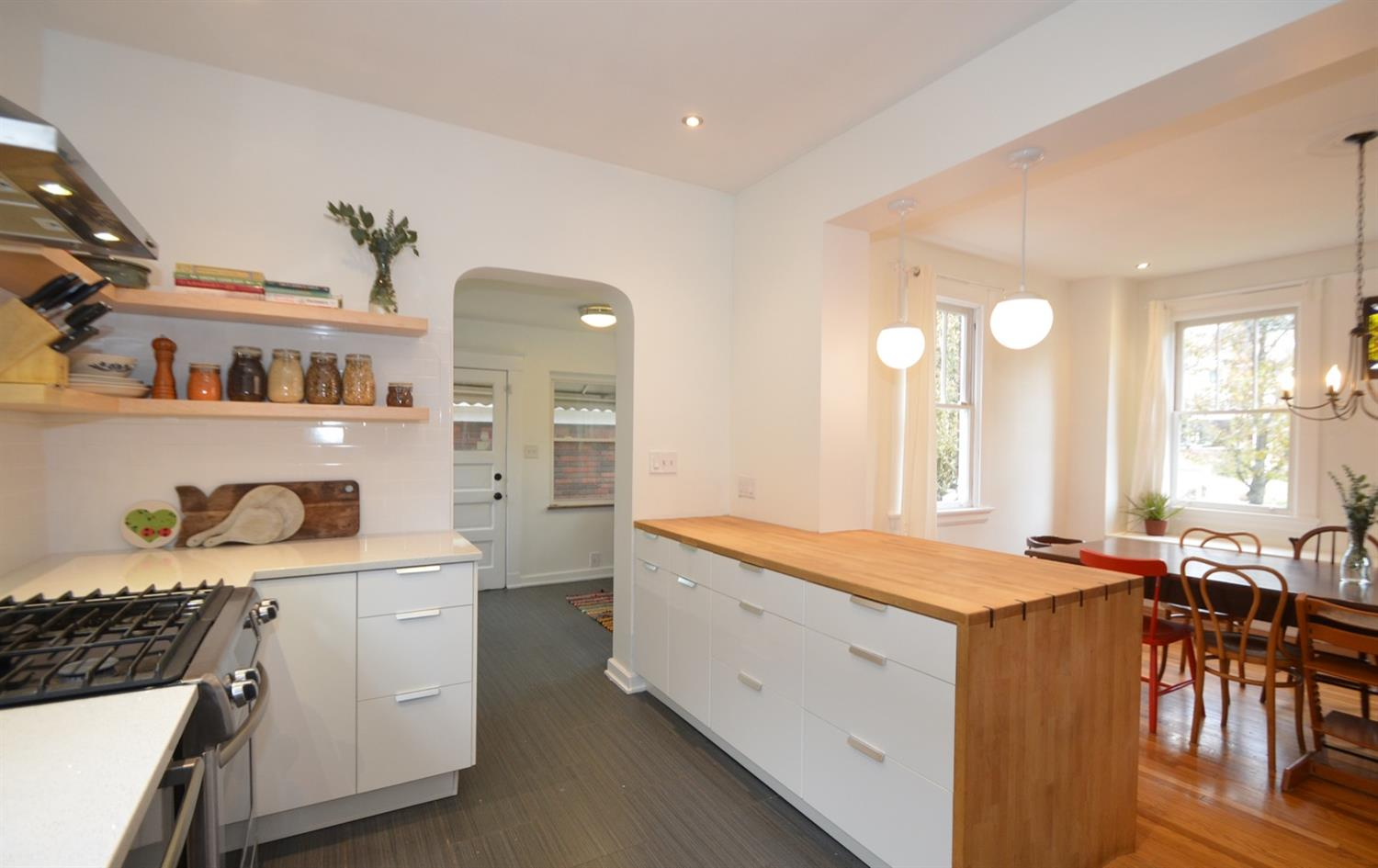 SO much great and accessible kitchen storage!