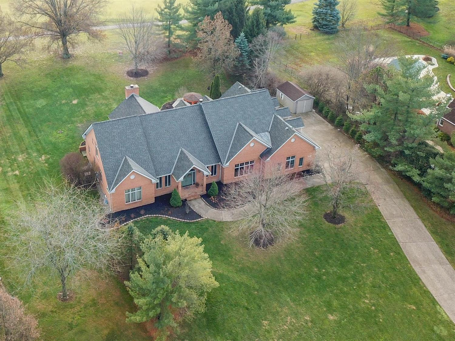 Property for sale at 887 Country Club Drive, Pierce Twp,  Ohio 45245