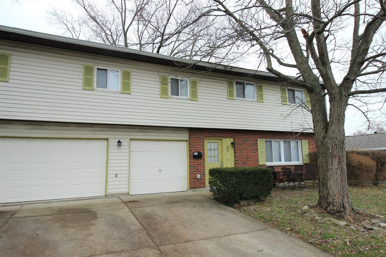 Property for sale at 30 Royal Drive, Springboro,  Ohio 45066