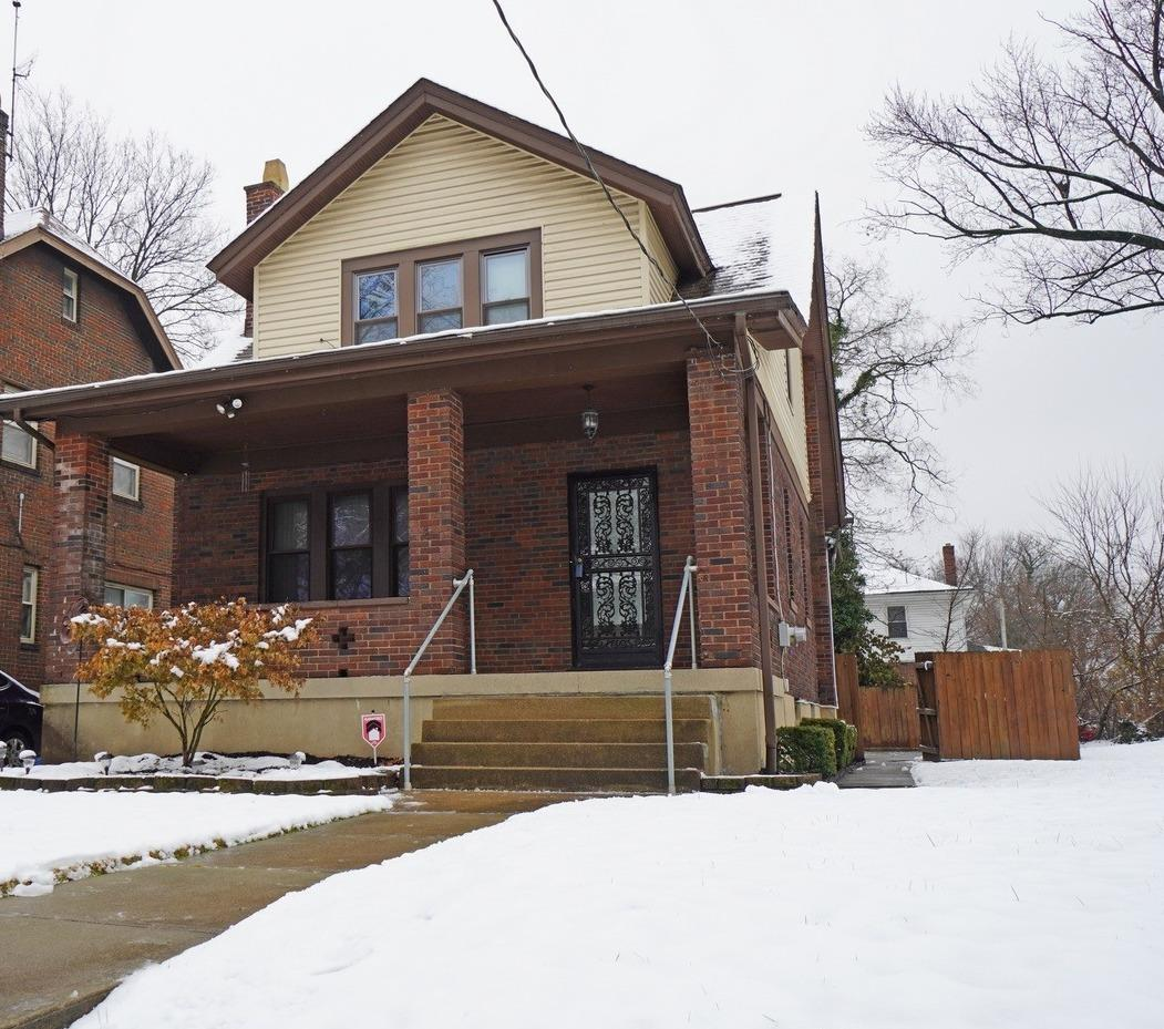 Property for sale at 1235 Rossmore Avenue, Cincinnati,  Ohio 45237