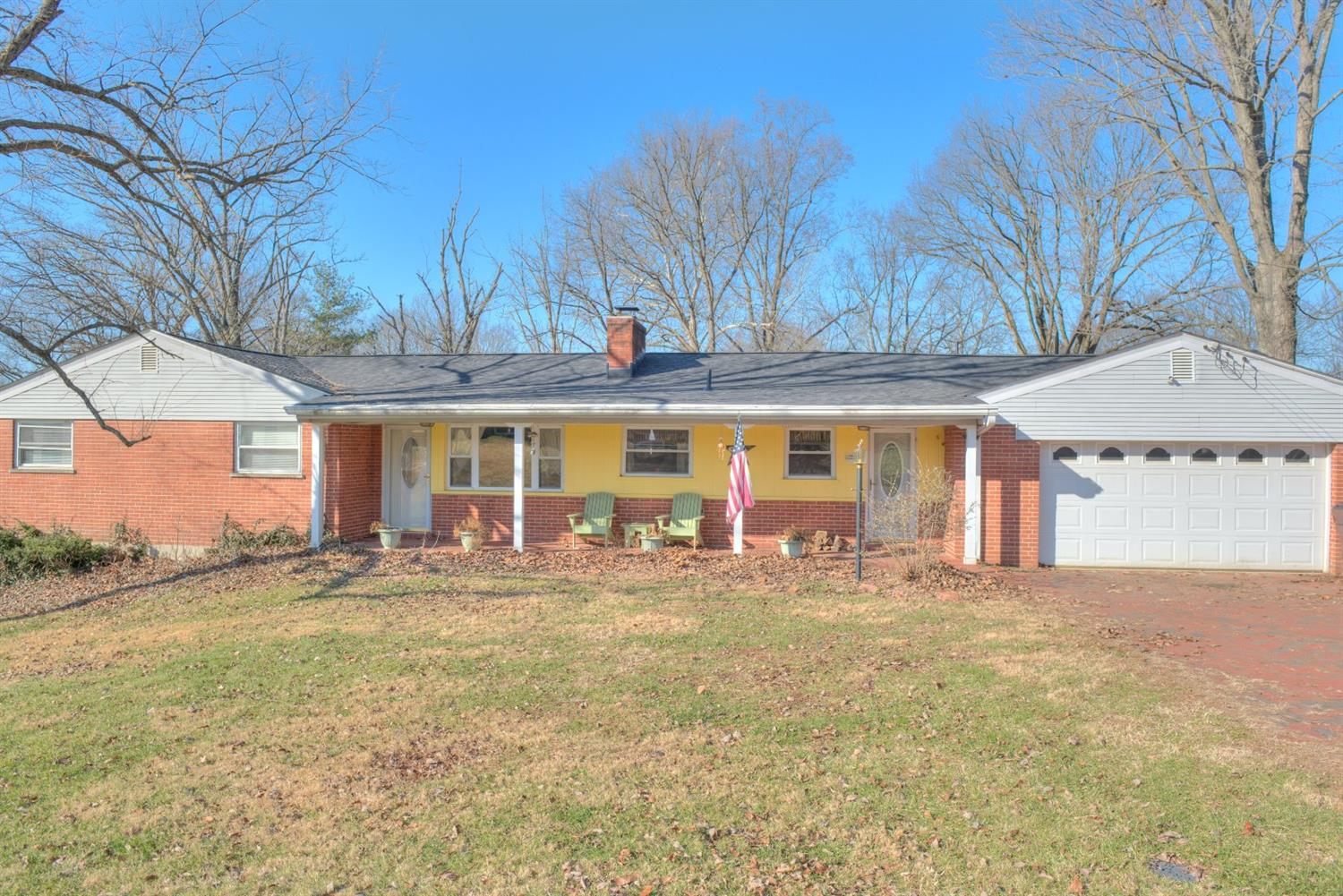 Property for sale at 35 Oakcrest Drive, Milford,  Ohio 45150