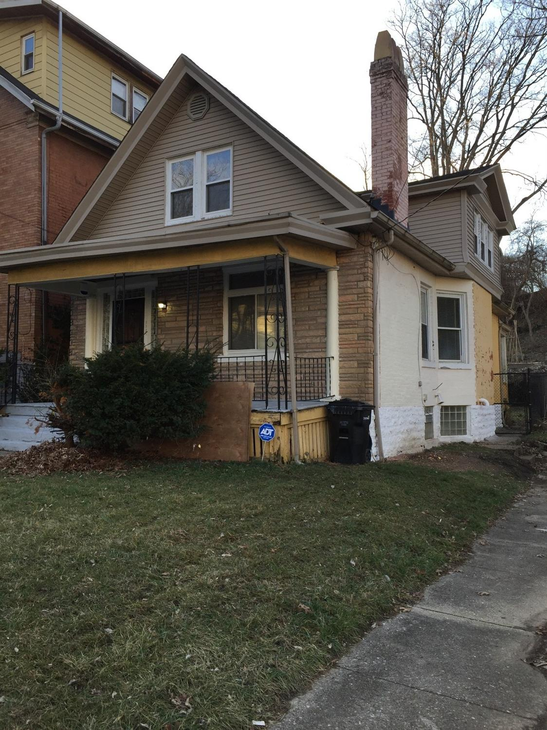 Property for sale at 2321 Auburncrest Avenue, Cincinnati,  Ohio 45219