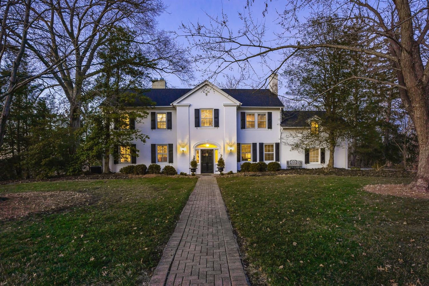 Property for sale at 3146 N Farmcrest Drive, Amberley,  Ohio 45213