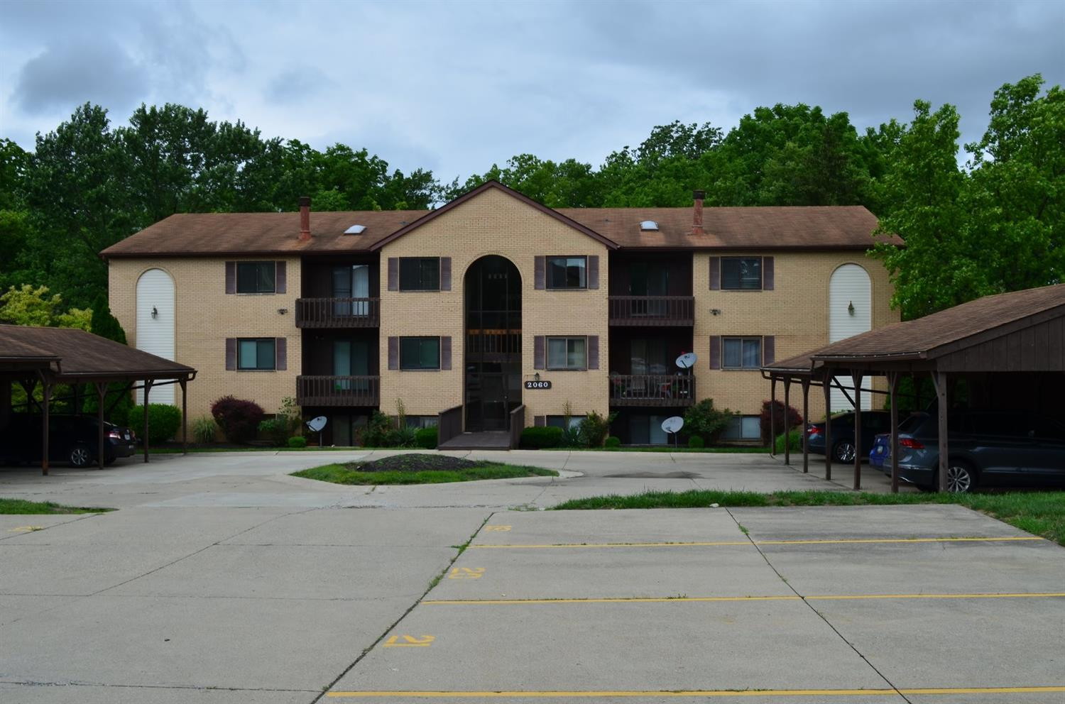 Property for sale at 2060 Woodtrail Drive Unit: 24, Fairfield,  Ohio 45014