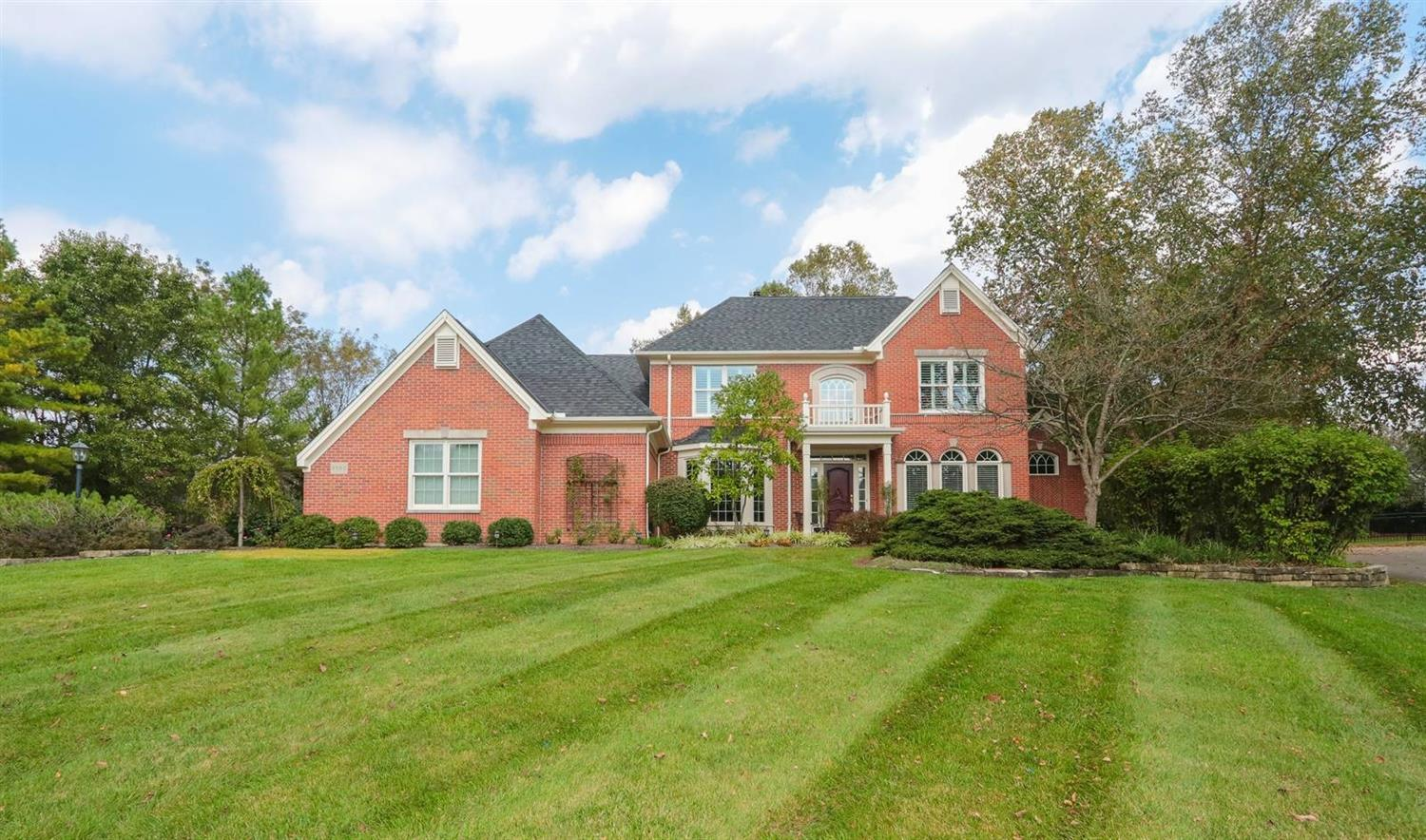 Property for sale at 8560 Chaucer Place, Montgomery,  Ohio 45249