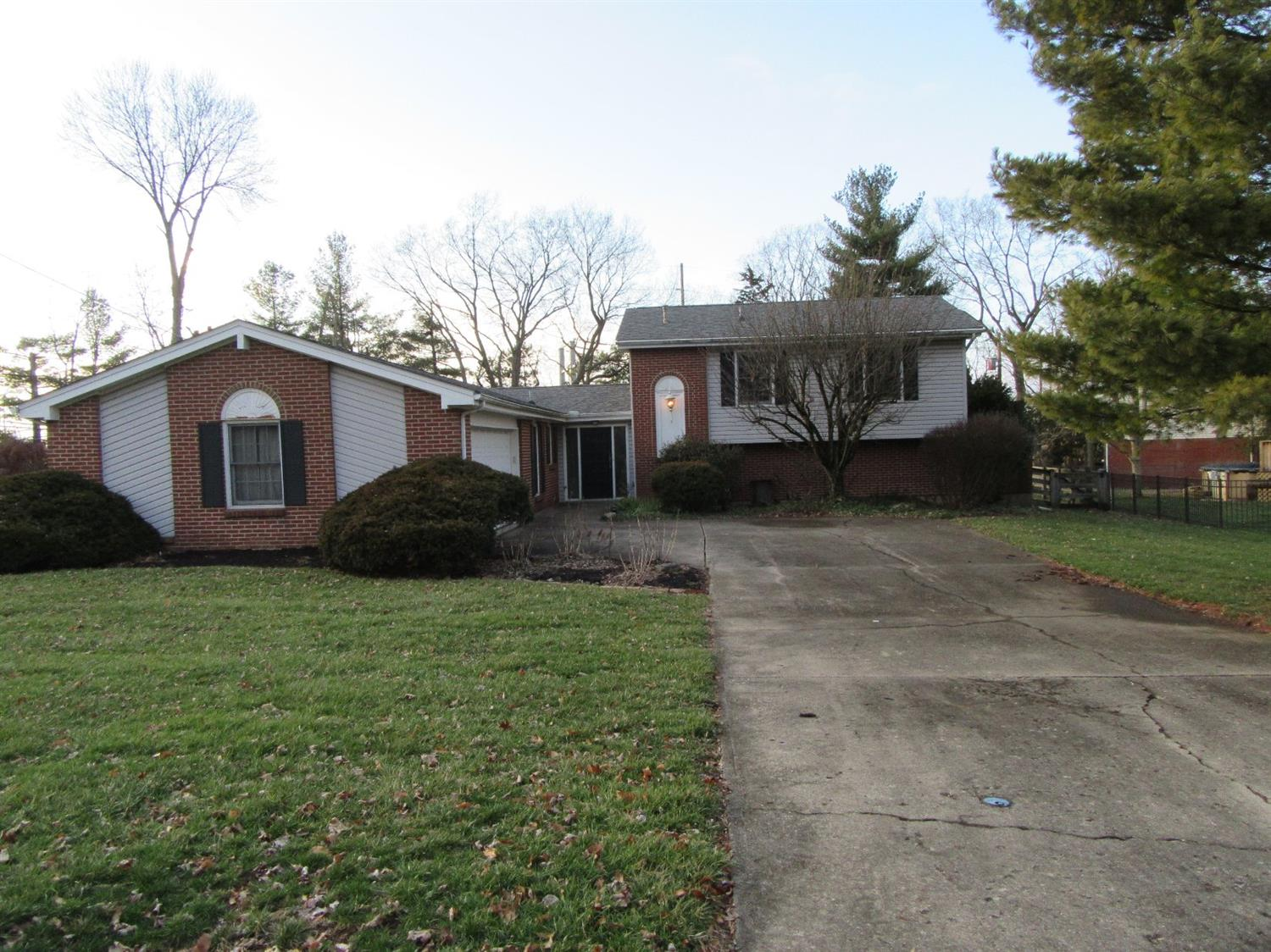 Property for sale at 481 Wicklow Lane, Monroe,  Ohio 45050