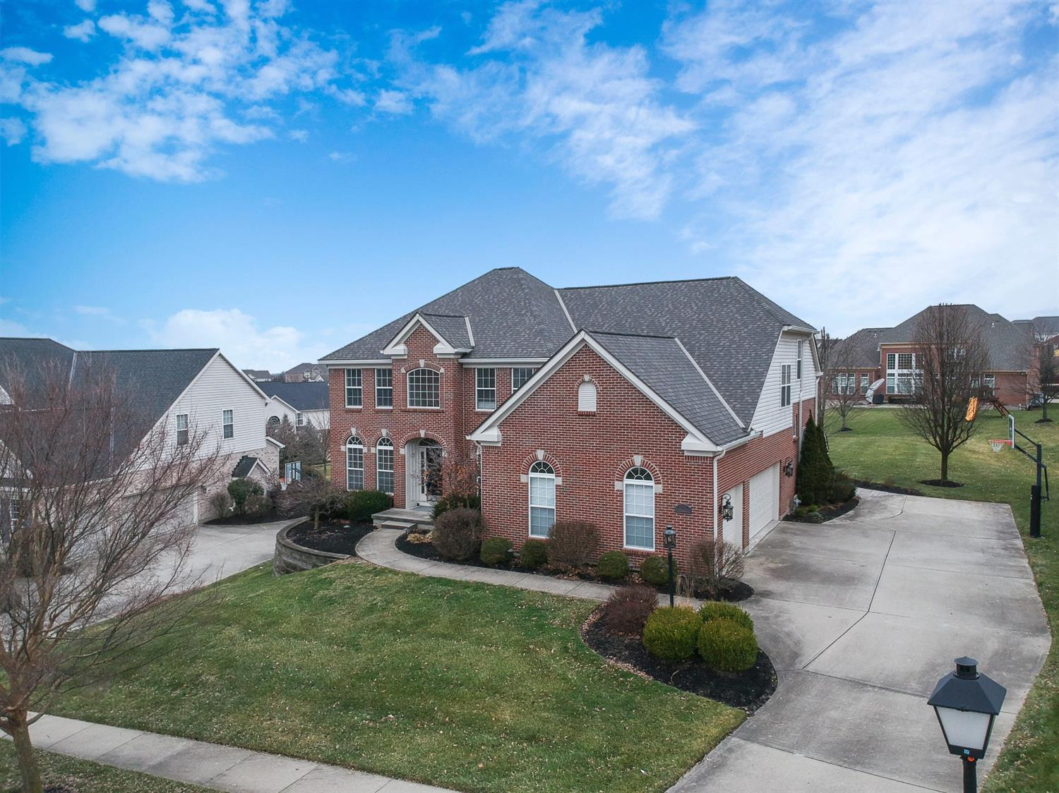 Property for sale at 7603 Overglen Drive, West Chester,  Ohio 45069