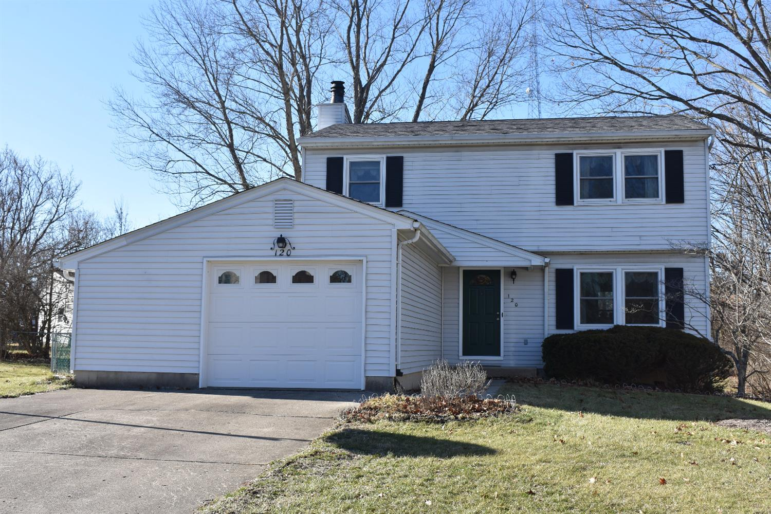 Property for sale at 120 Acorn Circle, Oxford,  Ohio 45056