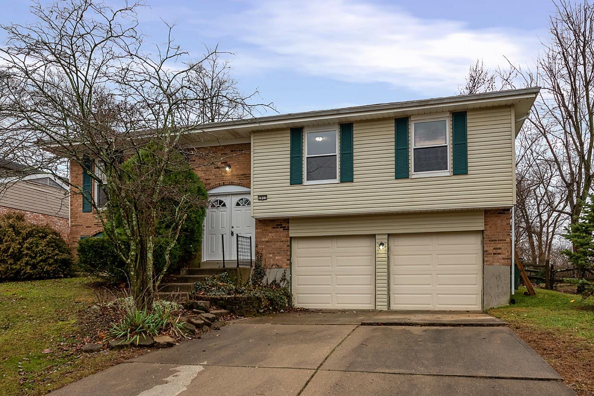 Property for sale at 1977 Broadhurst Avenue, Springfield Twp.,  Ohio 45240