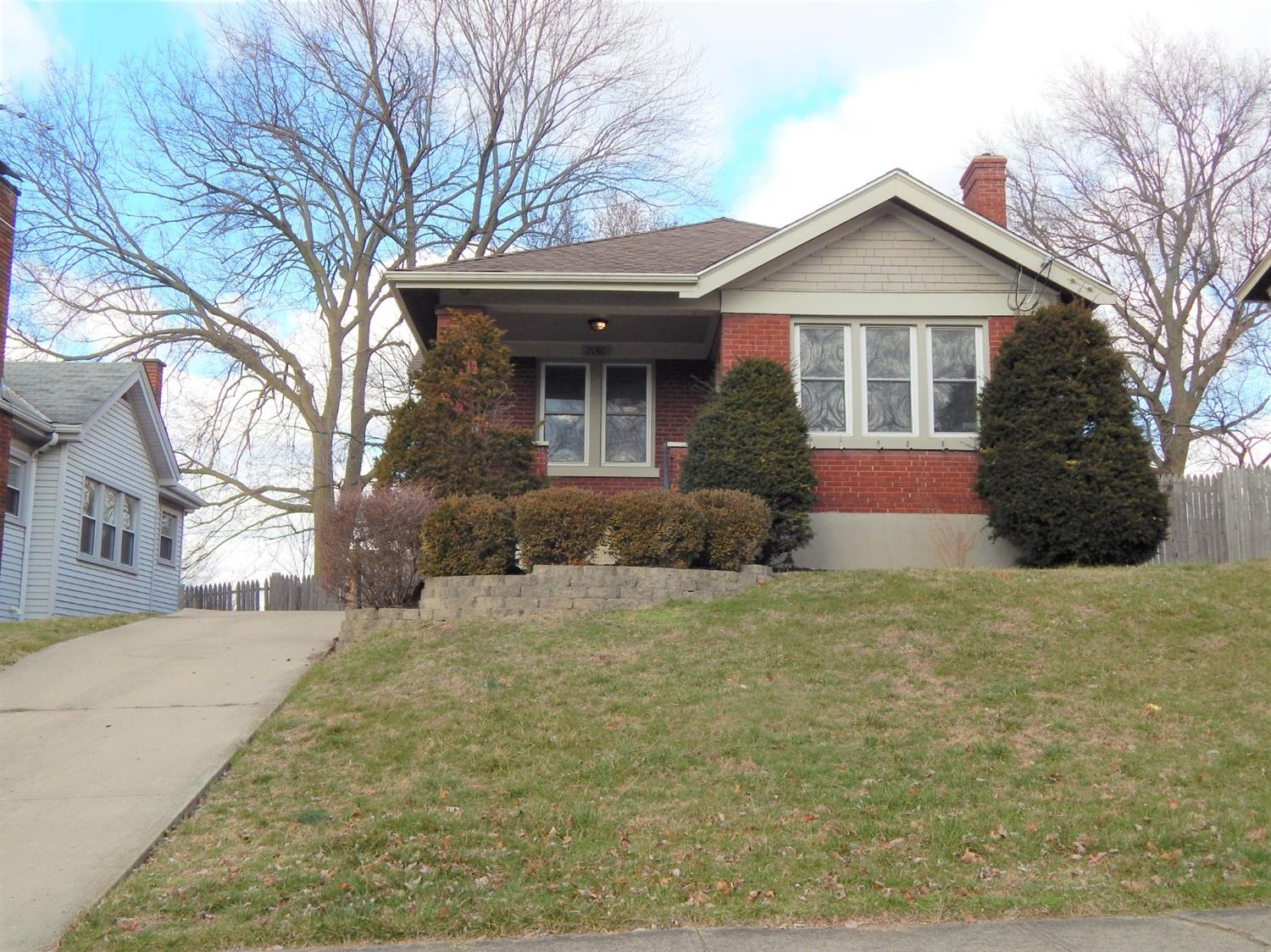 Property for sale at 2150 Cathedral Avenue, Norwood,  Ohio 45212