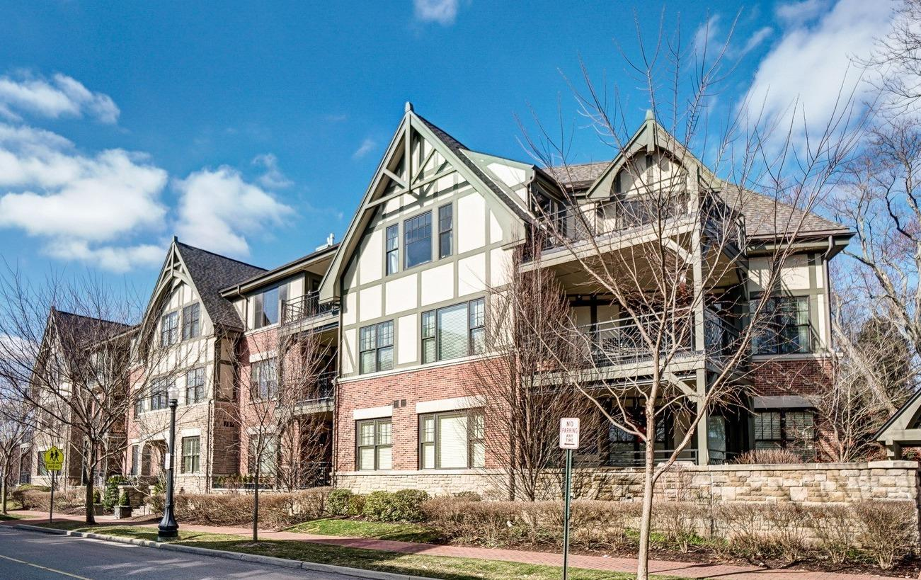 Property for sale at 3901 West Street Unit: 305, Mariemont,  Ohio 45227