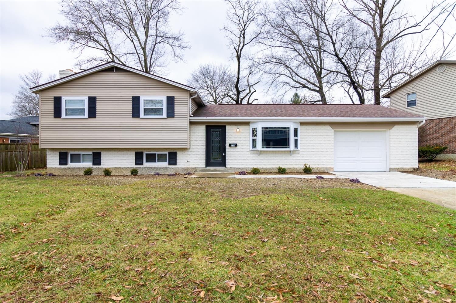 Property for sale at 253 Albright Drive, Loveland,  Ohio 45140