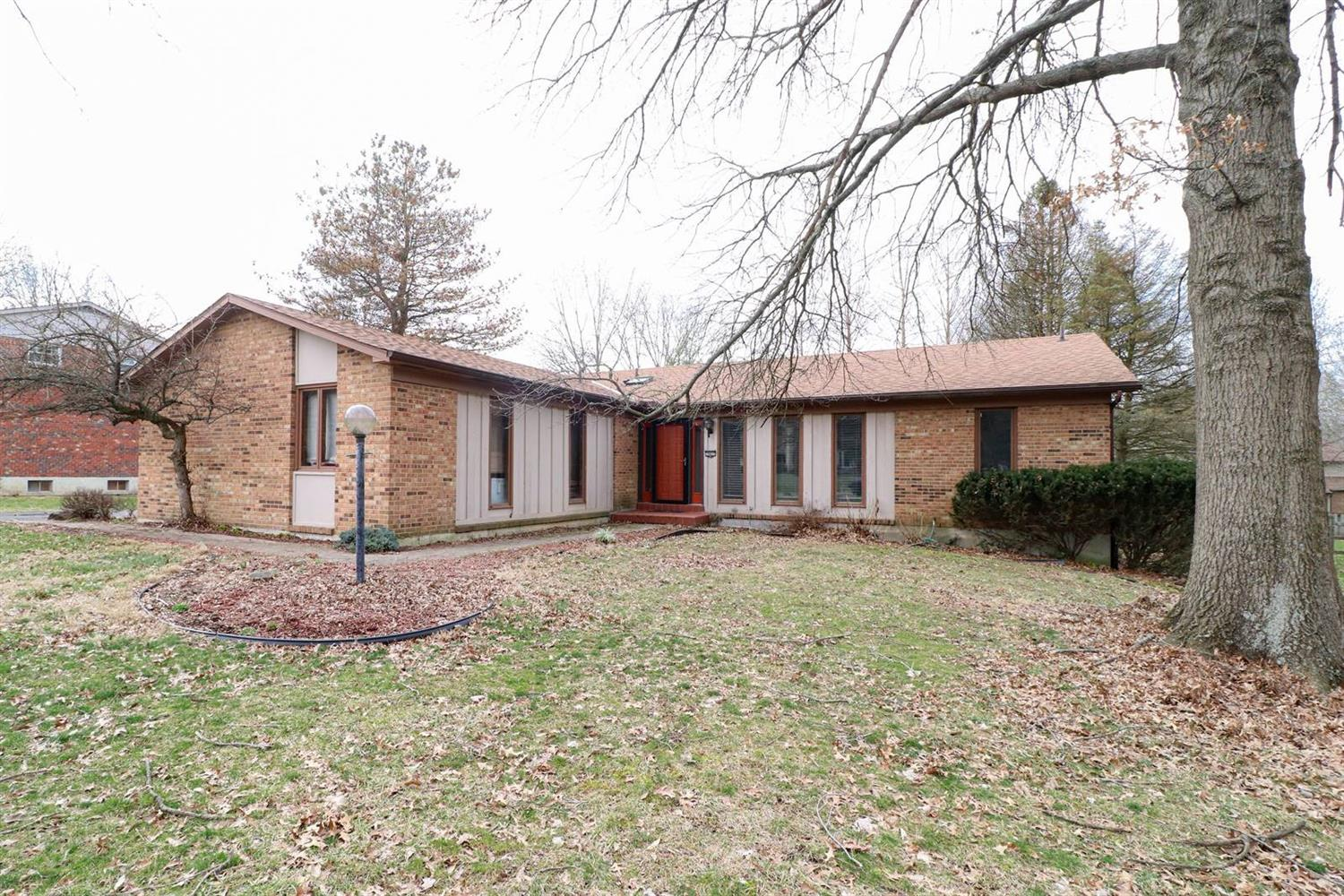 Property for sale at 10437 Gateway Drive, Symmes Twp,  Ohio 45242