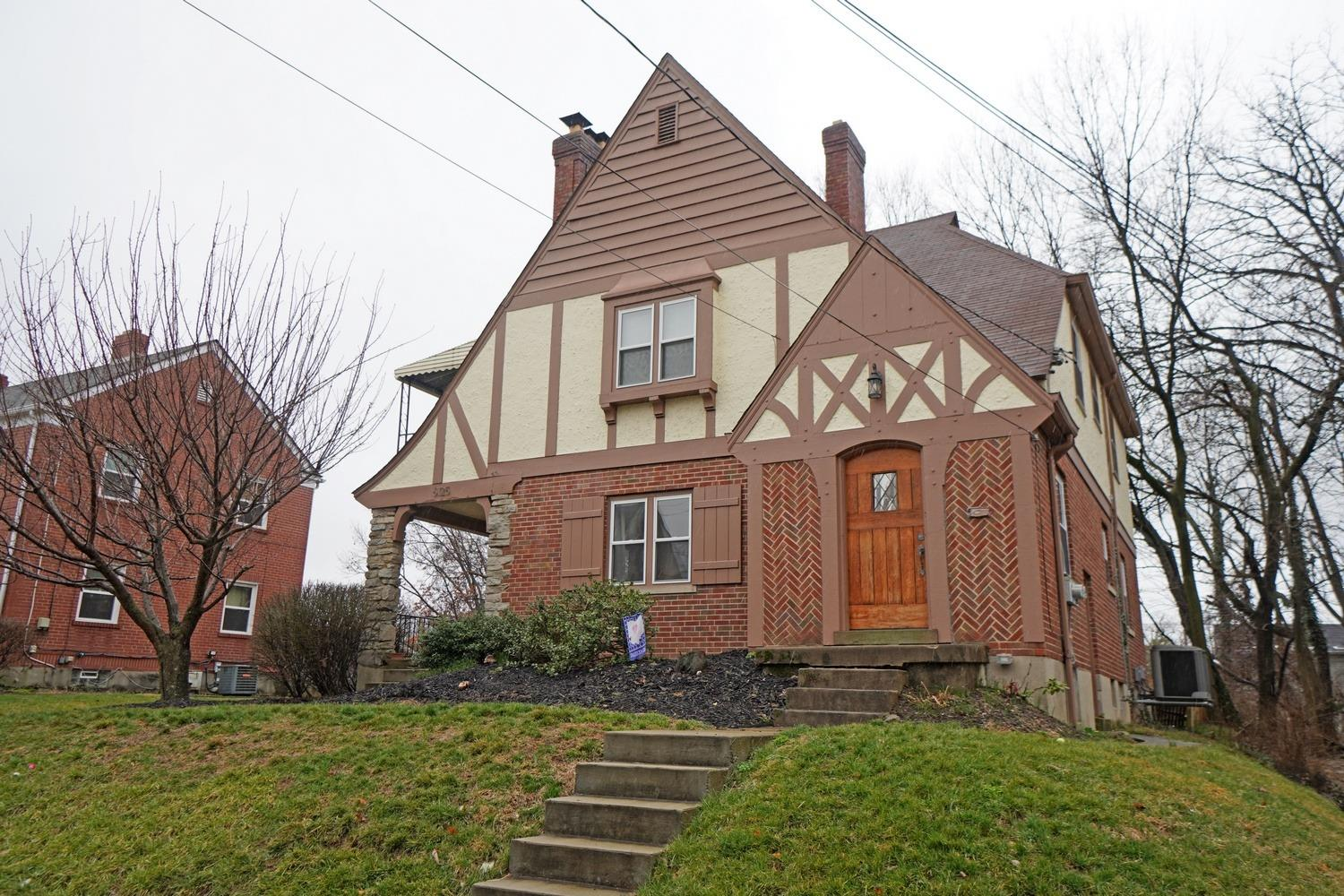 Property for sale at 6125 Webbland Place, Cincinnati,  Ohio 45213
